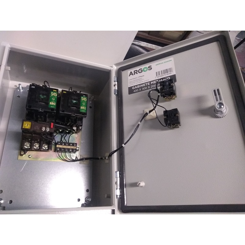 Arrancador Reversible 20HP a 220v /40HP a 440v Bobina a 220vca en Gabinete Metálico IP65 de 40X30X20 a Prueba de Agua